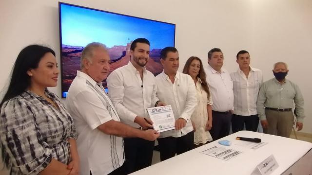 Inicia Foro Empresarial con Luis Munguía