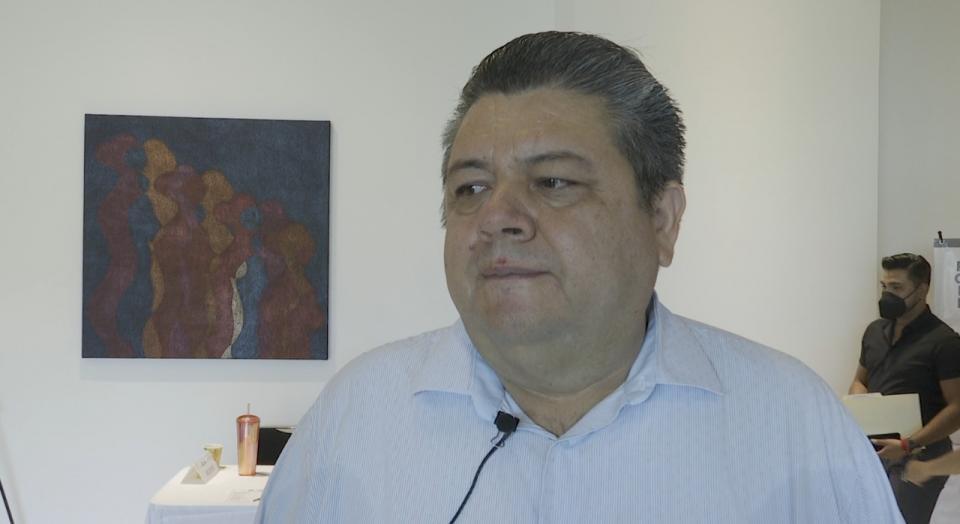 Instan empresarios a Lupita Guerrero a debatir
