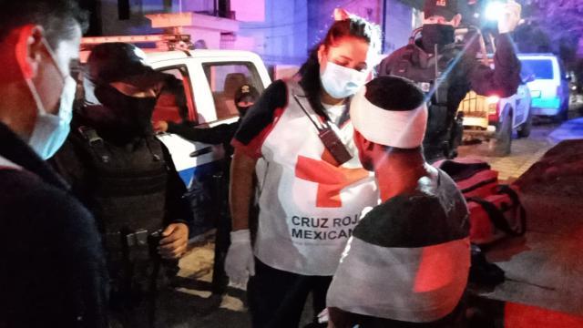 Ladrón herido auxiliado por paramédicos