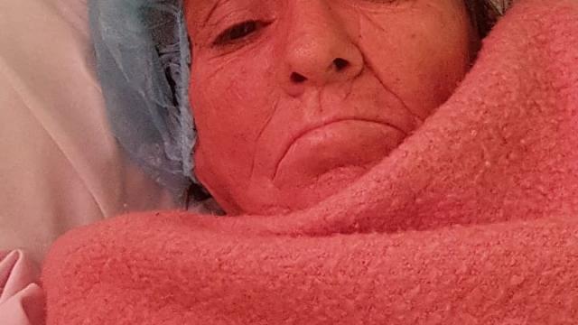 Buscan a familiares de mujer hospitalizada