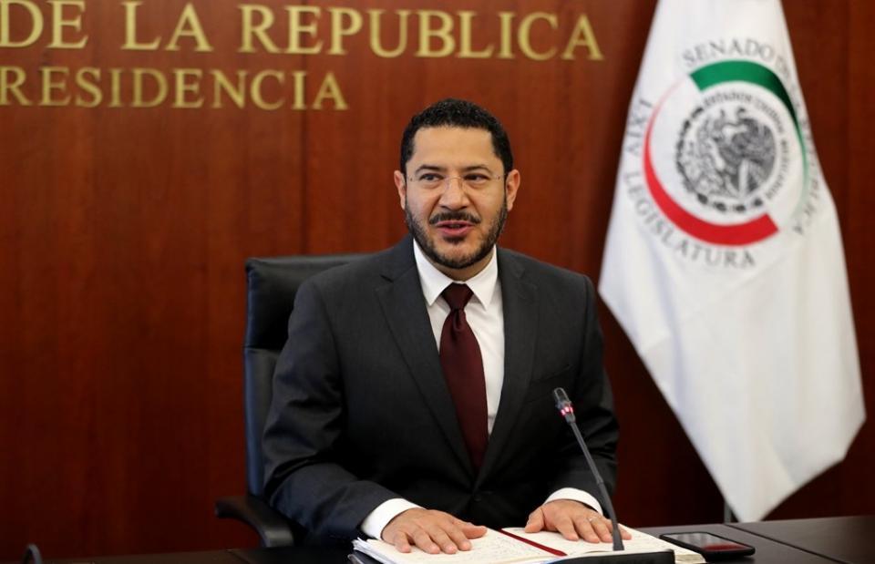Martí Batres propone ley mordaza para consejeros del INE