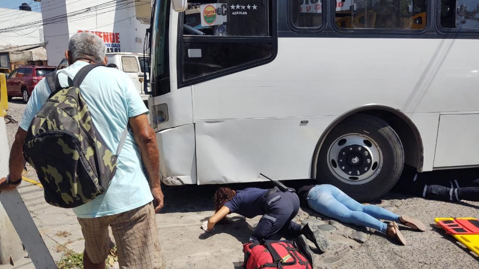 Mujer atropellada por camión en el Pitillal