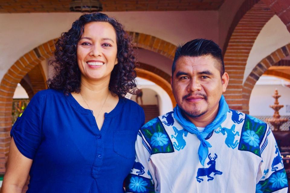 Se reúne Idalia González con la comunidad Wixarika