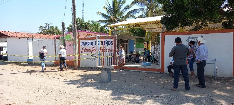 Vacunación en Aguamilpa