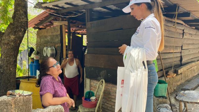 Yussara Canales en Boca de Tomatlán