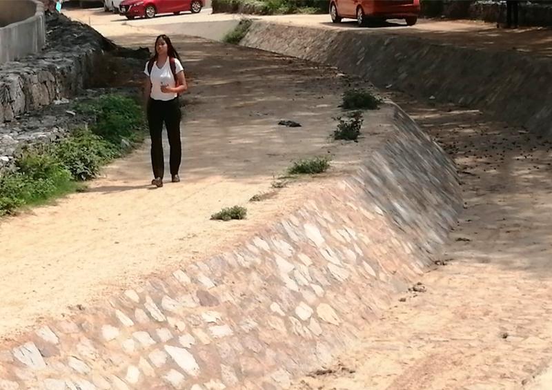 Vecinos y comerciantes temen por las crecidas del arroyo del indio