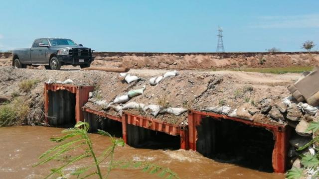 Por deslizamiento de los contenedores podrían cerrar el paso del Guayabo