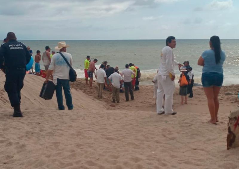 Turista se ahoga en playa Pelicanos