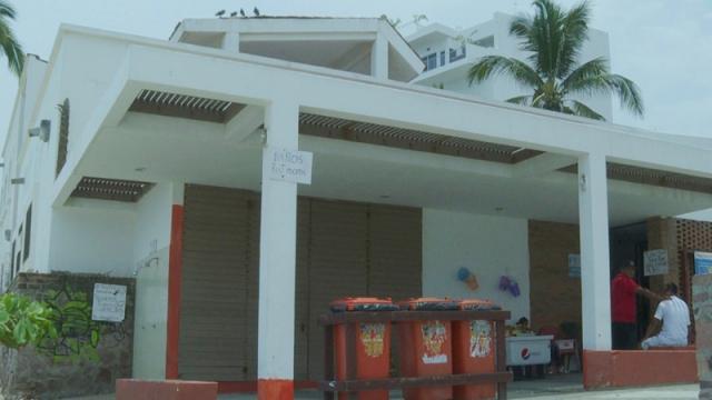 Autoridad dice baños en playas de Vallarta están regulados