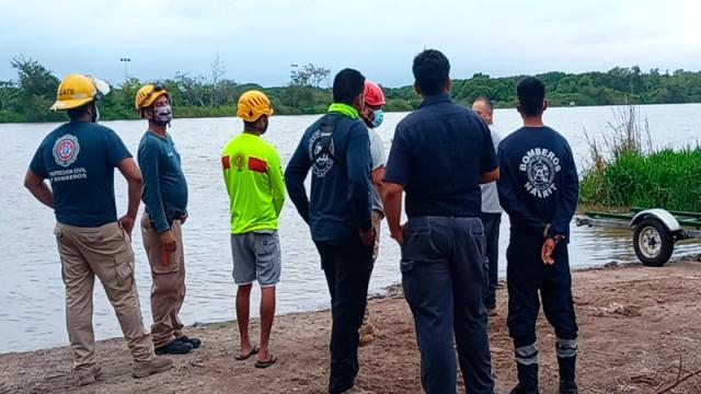 Rescatan cadáver en el Río Ameca