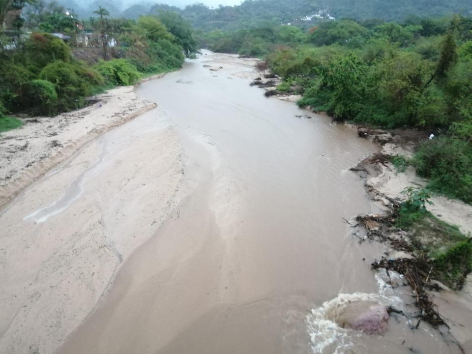 Campesinos sin respuesta por parcelas tragadas por Río Ameca
