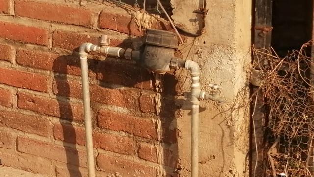 Padecen más de 30 años por falta de agua potable