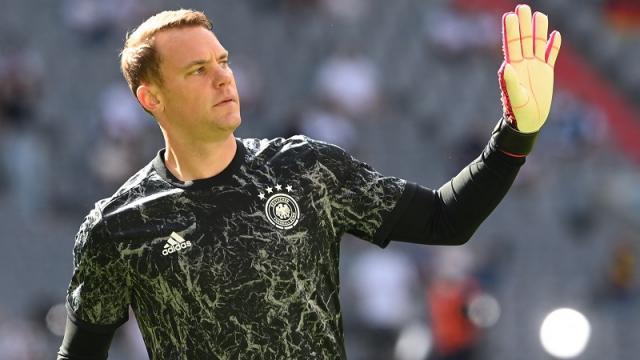 El portero y capitán Manuel Neuer, será investigado por utilizar pulsera arcoíris