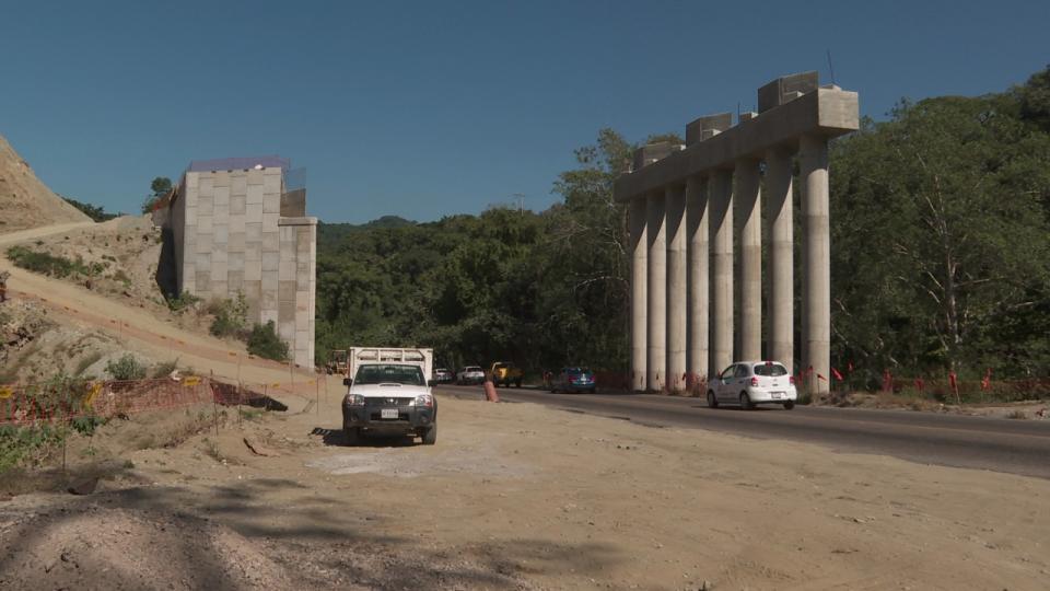 Hallazgo arqueológico frena avance de autopista a Vallarta