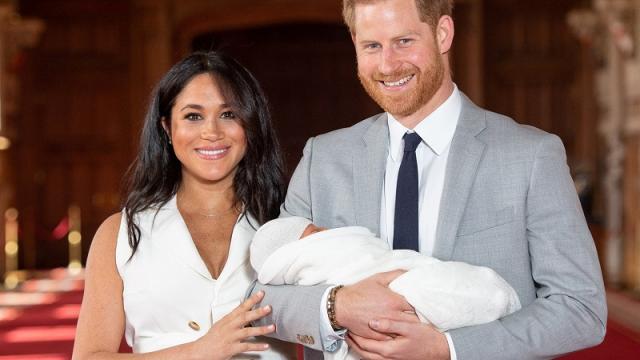 Harry y Meghan presentan a su hija