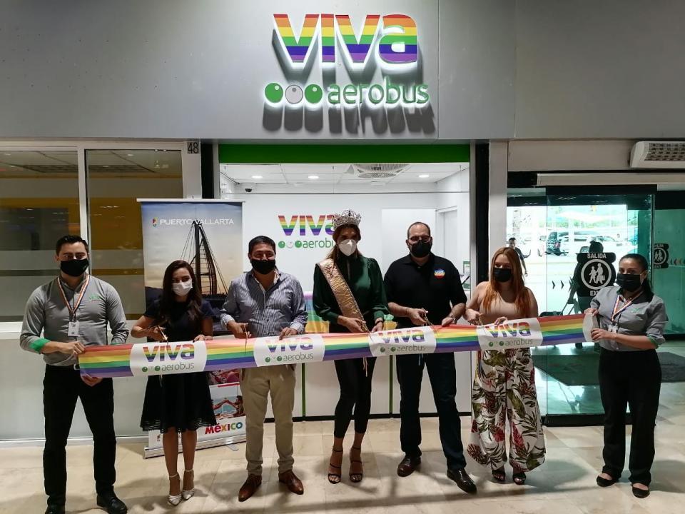 "Inauguran ""Viva Tienda"" en Aeropuerto de Puerto Vallarta"