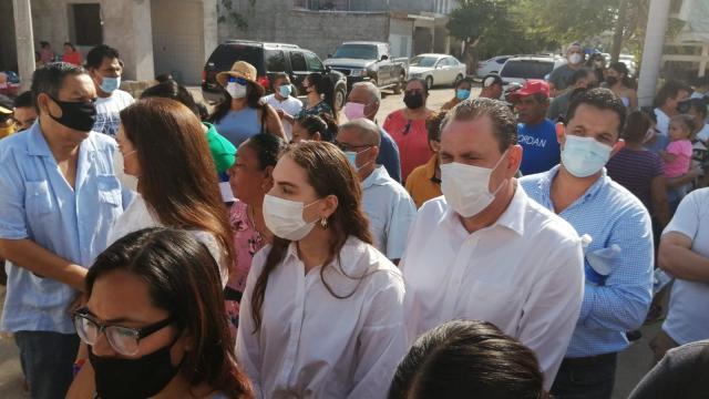 Jaime Cuevas espera turno para votar en San José del Valle