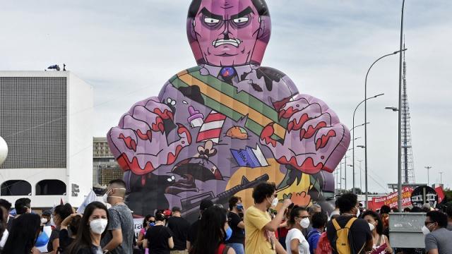 Manifestación contra Bolsonaro por mal manejo de pandemia