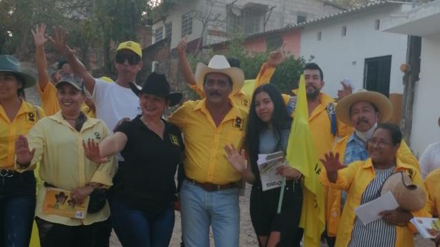 Otoniel cierra campaña en la Plaza del Pitillal