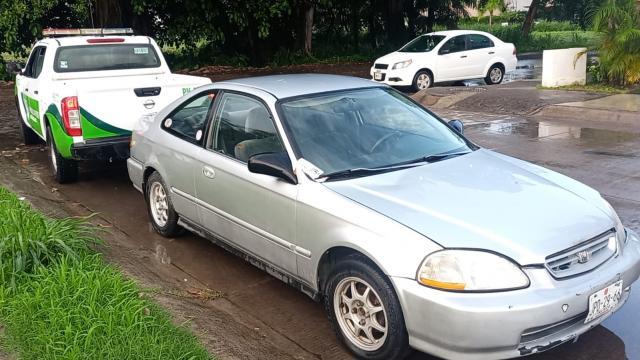 Recuperan vehículo robado en Fluvial Vallarta