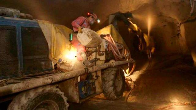 Derrumbe en mina deja 2 trabajadores muertos en Coahuila