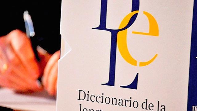 """RAE insiste en que la """"e"""", del lenguaje inclusivo, es innecesaria"""