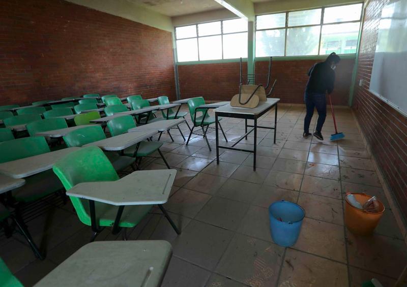 """Regreso a clases revertirá efectos negativos de pandemia en alumnos"""""""
