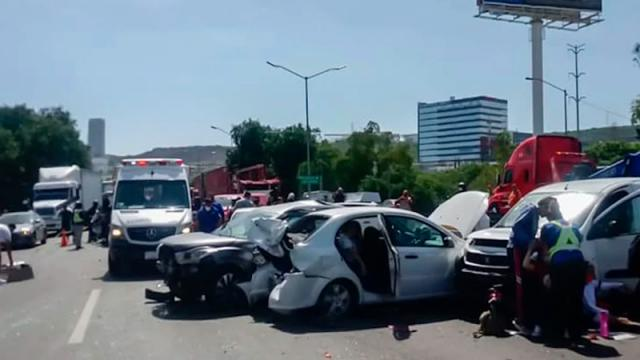 Accidente en la México – Querétaro deja 10 personas lesionadas