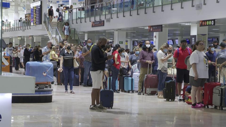 Aeropuerto de Puerto Vallarta refuerza medidas sanitarias