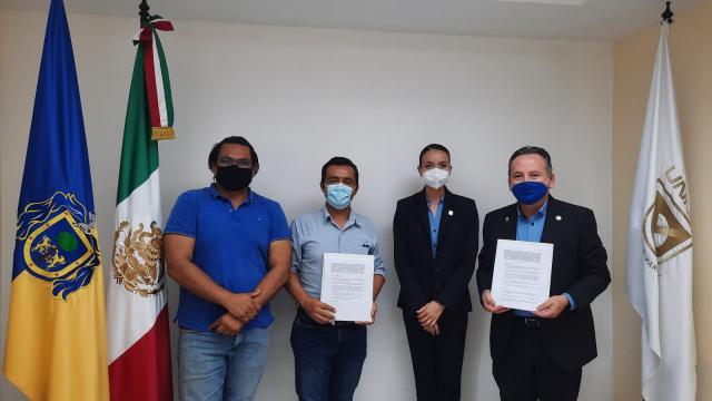 Colegio de Arquitectos y UNIVA firman convenio