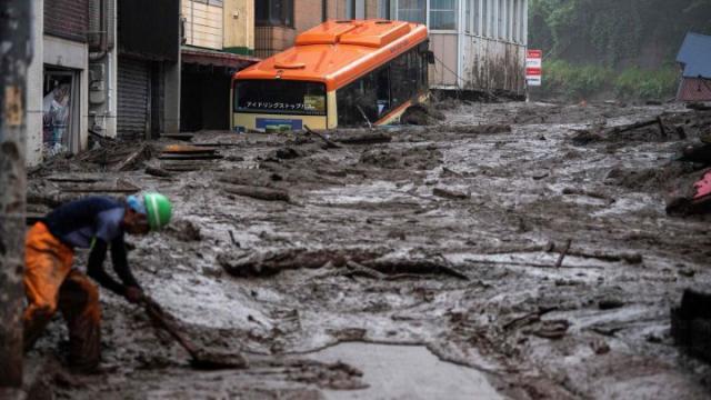 20 personas desaparecidas tras deslizamiento de tierra