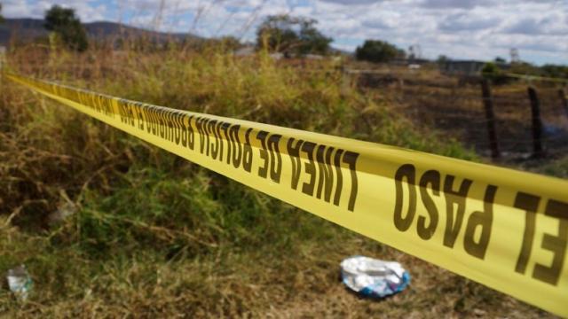 Hallan 56 bolsas con restos óseos en Jalisco