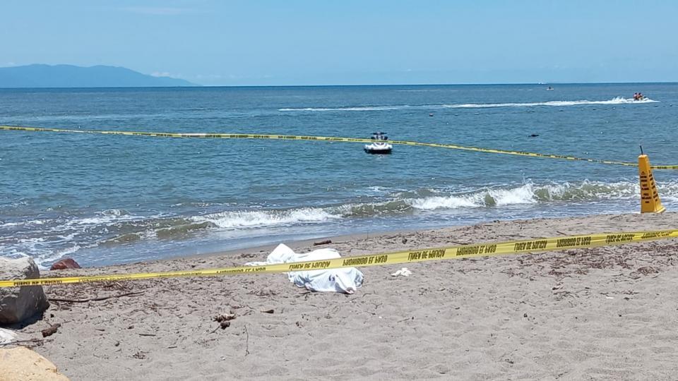 Hombre muere ahogado en playas de Marina Vallarta
