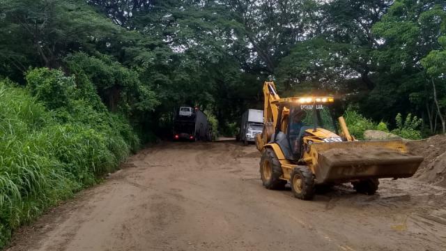 Liberan carretera federal 200 en Bahía de Banderas