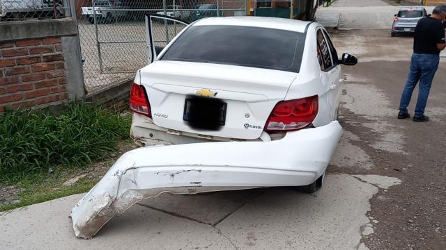 Motociclista herido al chocar con auto en Las Juntas