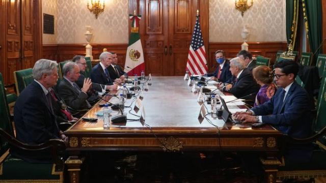 México pide apoyo a EU para reabrir la frontera