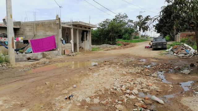 Vecinos de Los Mangos cansados de inundarse