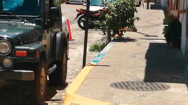 Privatizan banquetas del centro de Vallarta, demandan