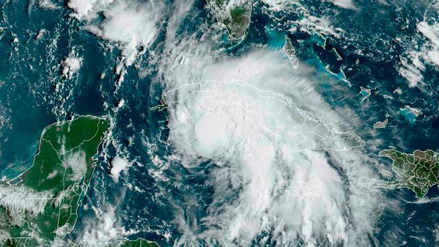 Huracán Ida azota el oeste de Cuba