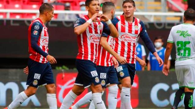 Chivas sufre y apenas alcanza el empate ante Juárez