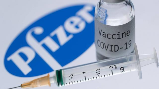Aún no es necesario adaptar la vacuna Pfizer a variantes