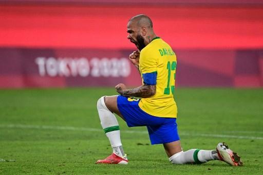brasil le gana a mexico en penales