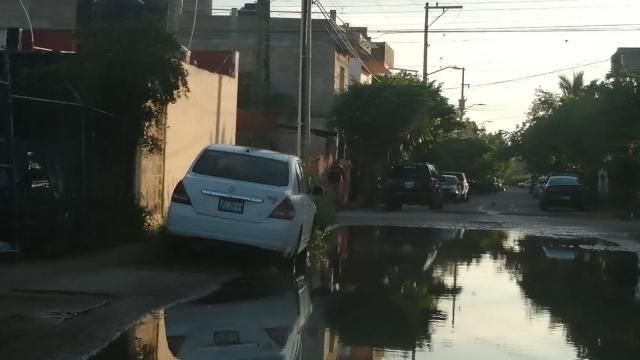 Canal en Paseos Universidad está abandonado