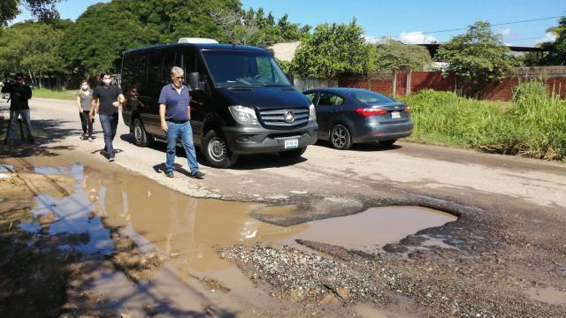 Carretera Valle-Bucerías es un peligroso campo minado