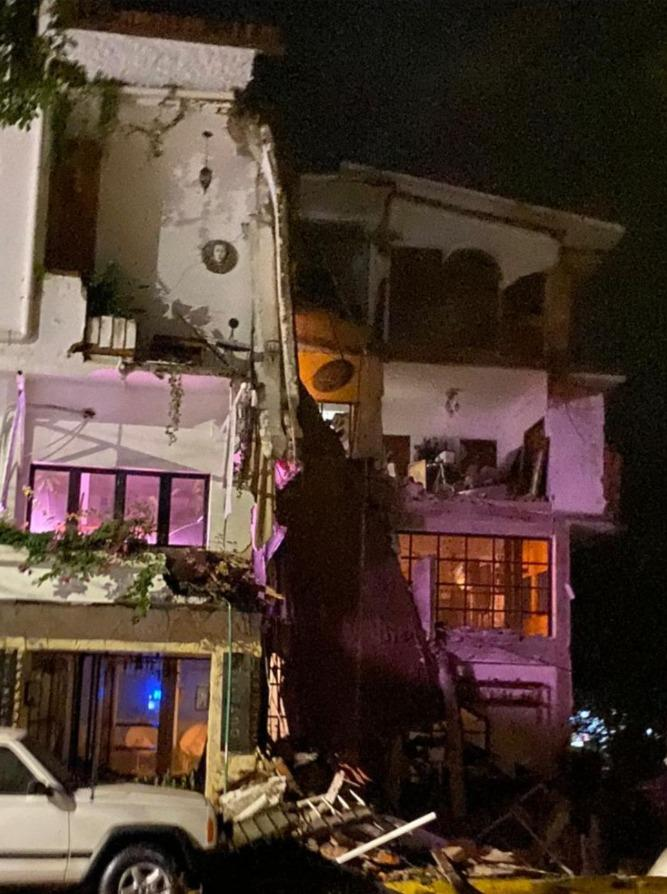 the hotel garlands del rio collapsed on the banks of the river cuale