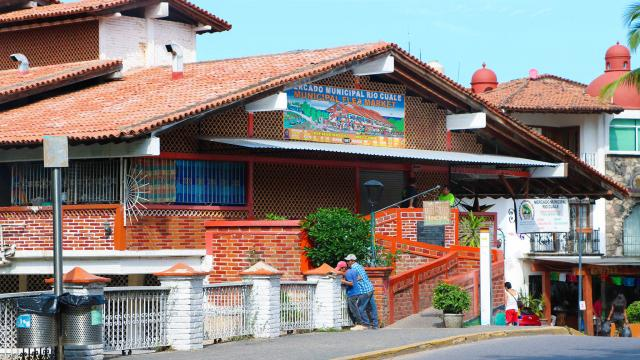 Certifican el Mercado Río Cuale como Entorno Saludable