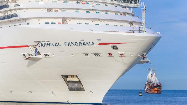 Celebra alcalde regreso de cruceros turísticos al puerto