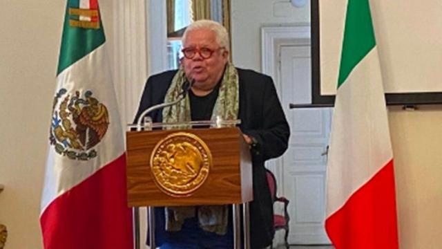 Enrique Márquez renuncia