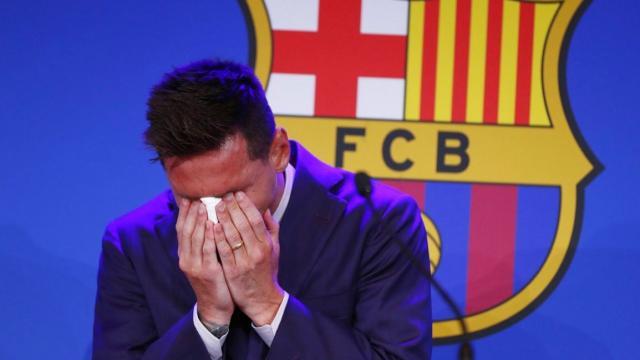 Entre lágrimas y aplausos, Lionel Messi dice adiós al Barça