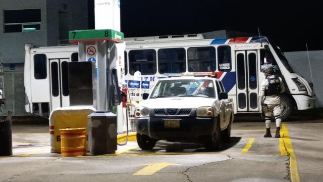 Guardia Nacional en gasolinera